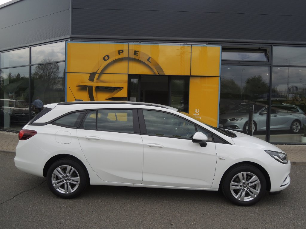 Opel Astra SMILE 1.4T 92KW/ 125K MT6