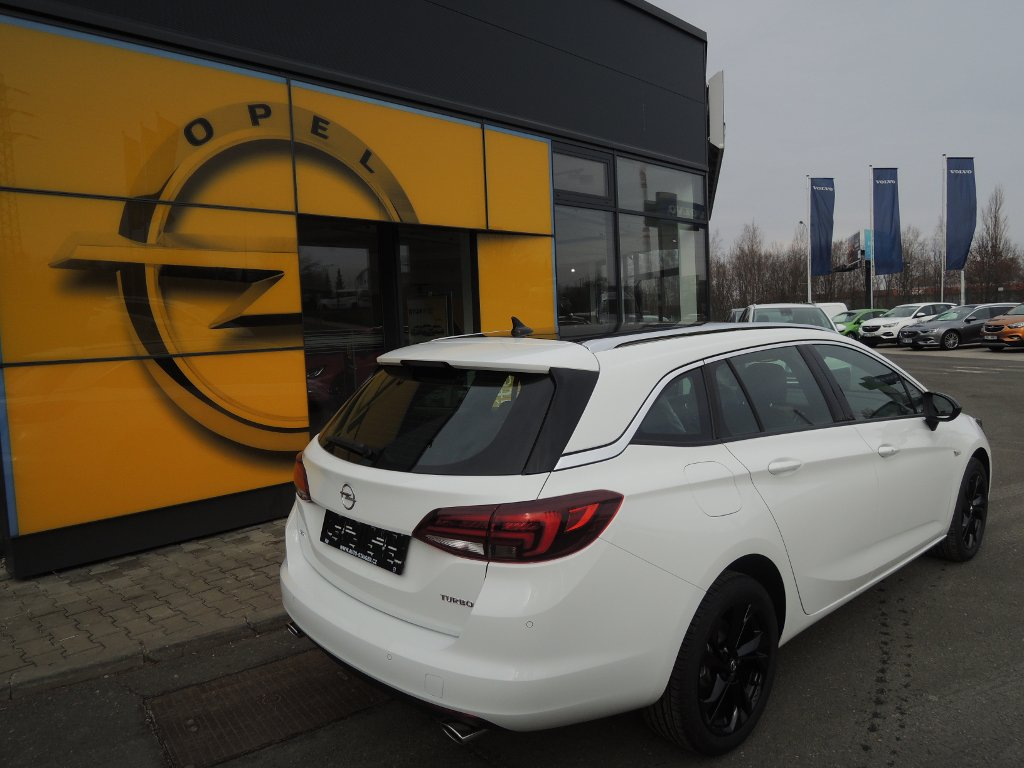 TUkas AUTO-STAIGER CZ a.s. | Fotografie vozu Opel Astra ST INNOVATION 1,4T 150K AT6