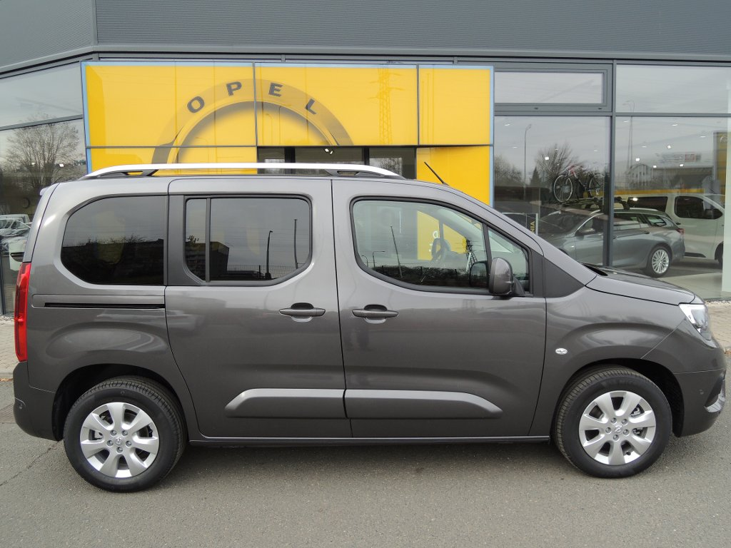 Opel Combo INNOVATION L1H1 1.2T 130k AT8